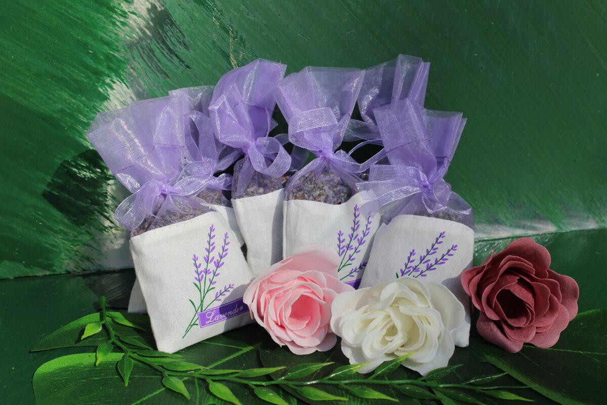Lavndu ziedu maisiņi